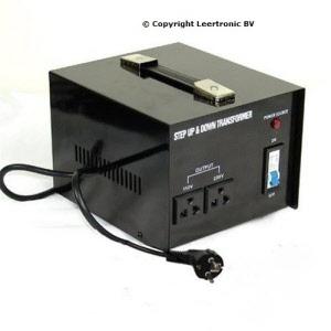 Omvormer acculader zonder verzendkosten ook 110 volt en for Transformadores de corriente 220v a 12v